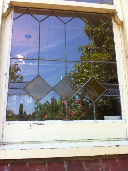 Glazier Glass Window Sliding Bi Fold Stacking Pivot Glass